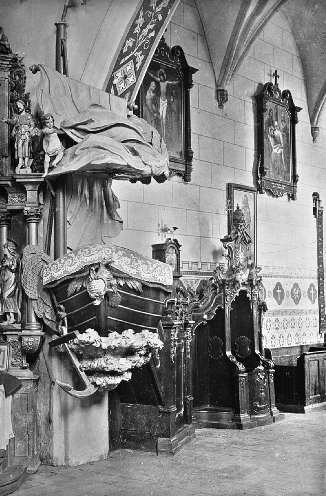 Ambona i konfesjonał. Rok 1907.